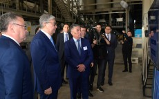 President of Kazakhstan Kassym-Jomart Tokayev familiarizes himself with Aktobe's industrial zone